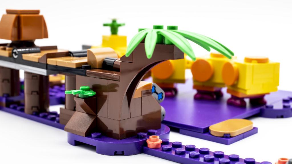 LEGO Super Mario 71383 Wigglers Poison Swamp 15