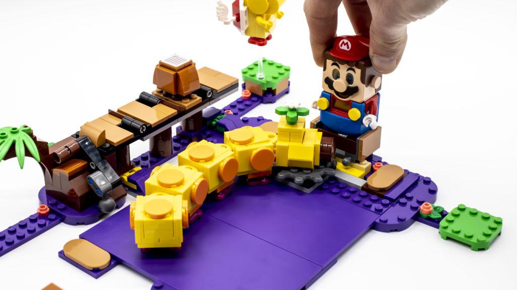 LEGO Super Mario 71383 Wigglers Poison Swamp 18