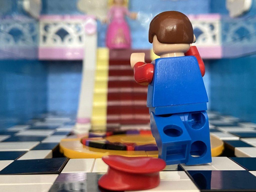 LEGO Super Mario Peachs Castle Eurobricks build 6