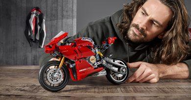 LEGO Technic 42107 Ducati Panigale V$-R