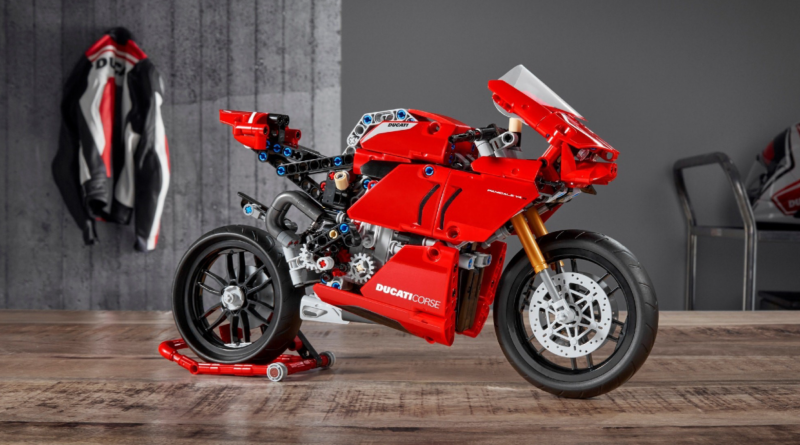 LEGO Technic 42107 Ducati Panigale V4 R featured resized