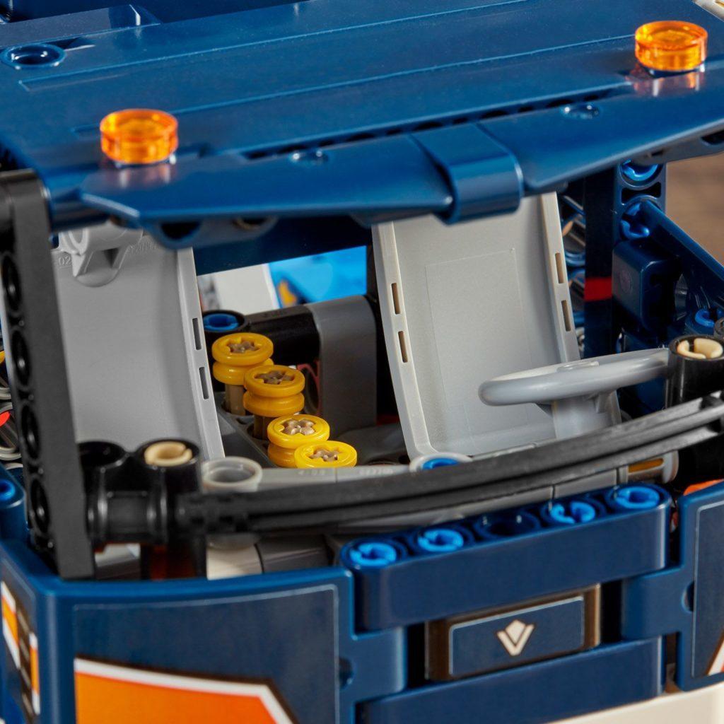 LEGO Technic 42112 Concrete Mixer Truck 7 1024x1024