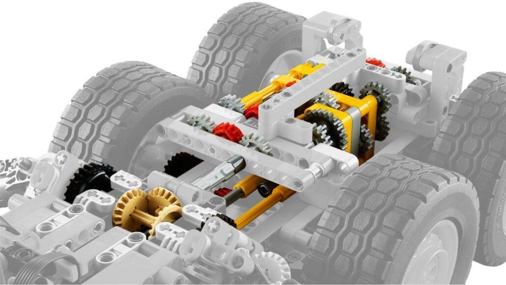 LEGO Technic 42114 6×6 Volvo Articulated Hauler 6