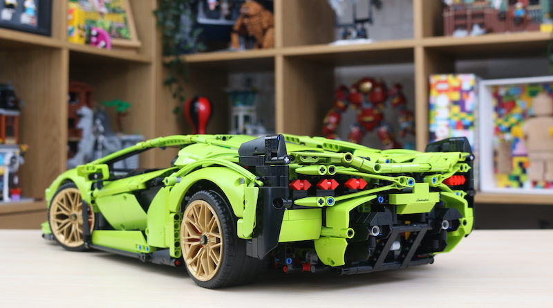 LEGO Technic 42115 Lamborghini Sian FKP 37 Five Things Title 800x445