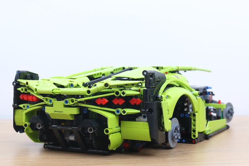 LEGO Technic 42115 Lamborghini Sian FKP 37 Review 60