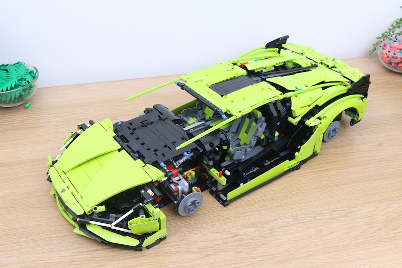 LEGO Technic 42115 Lamborghini Sian FKP 37 Review 70