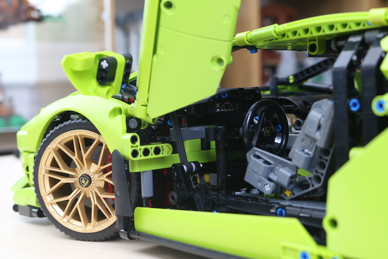 LEGO Technic 42115 Lamborghini Sian FKP 37 Review 87