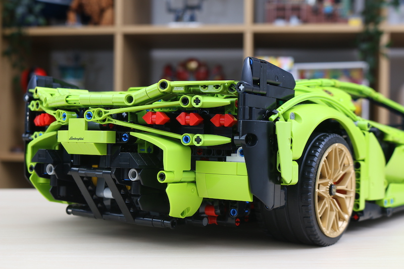 LEGO Technic 42115 Lamborghini Sian FKP 37 Review 99