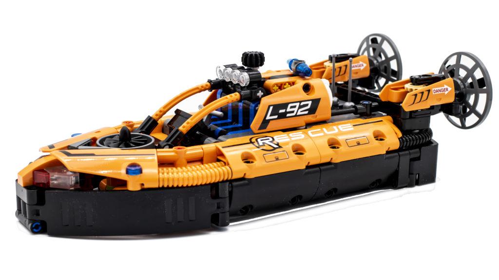 LEGO Technic 42120 Rescue Hovercraft 1
