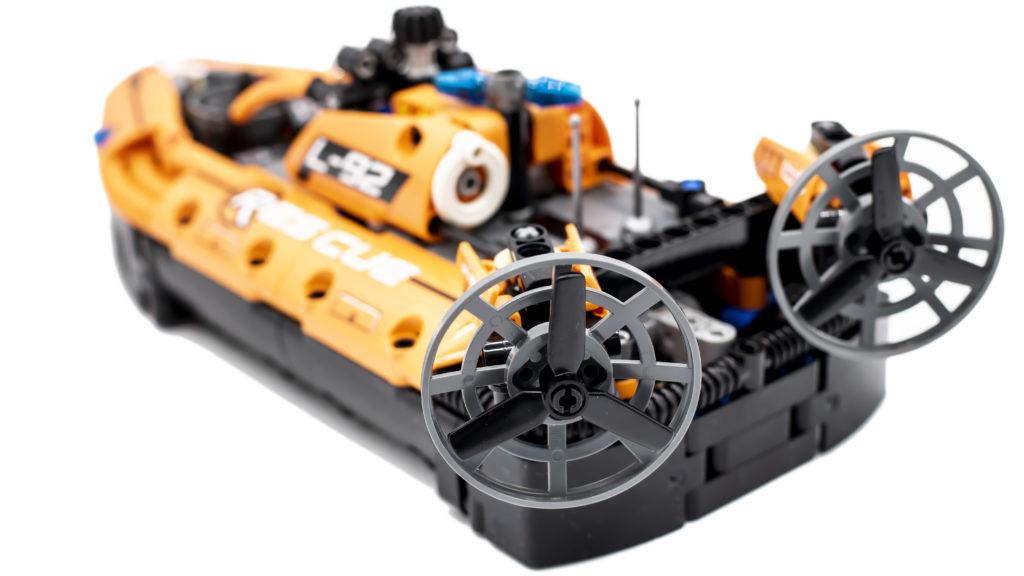 LEGO Technic 42120 Rescue Hovercraft 12