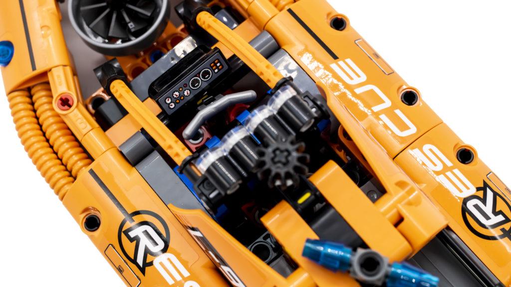 LEGO Technic 42120 Rescue Hovercraft 13
