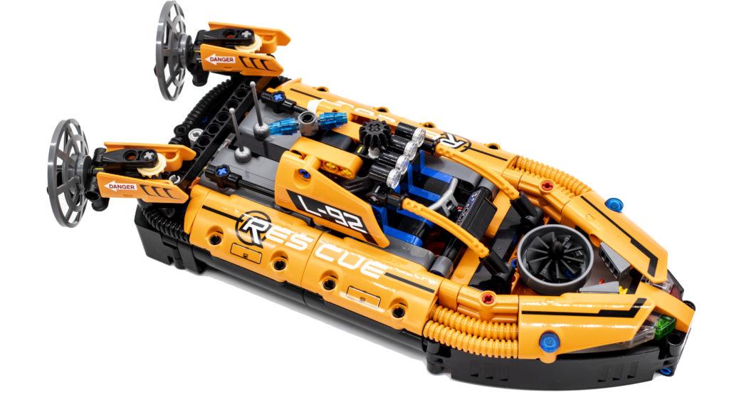 LEGO Technic 42120 Rescue Hovercraft 15