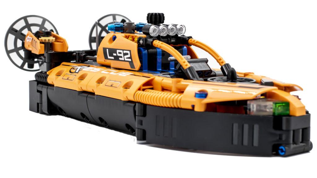 LEGO Technic 42120 Rescue Hovercraft 19