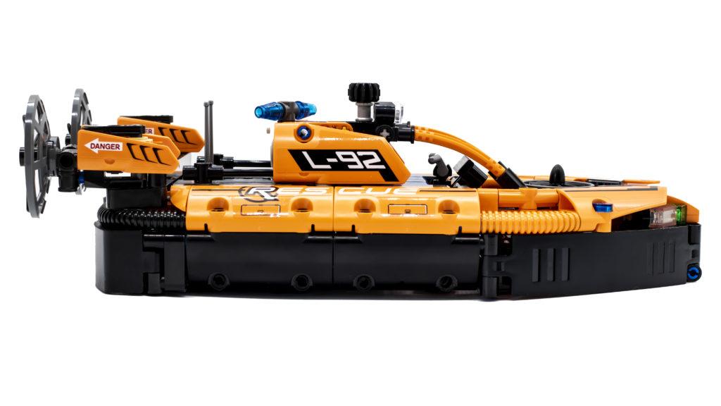 LEGO Technic 42120 Rescue Hovercraft 20
