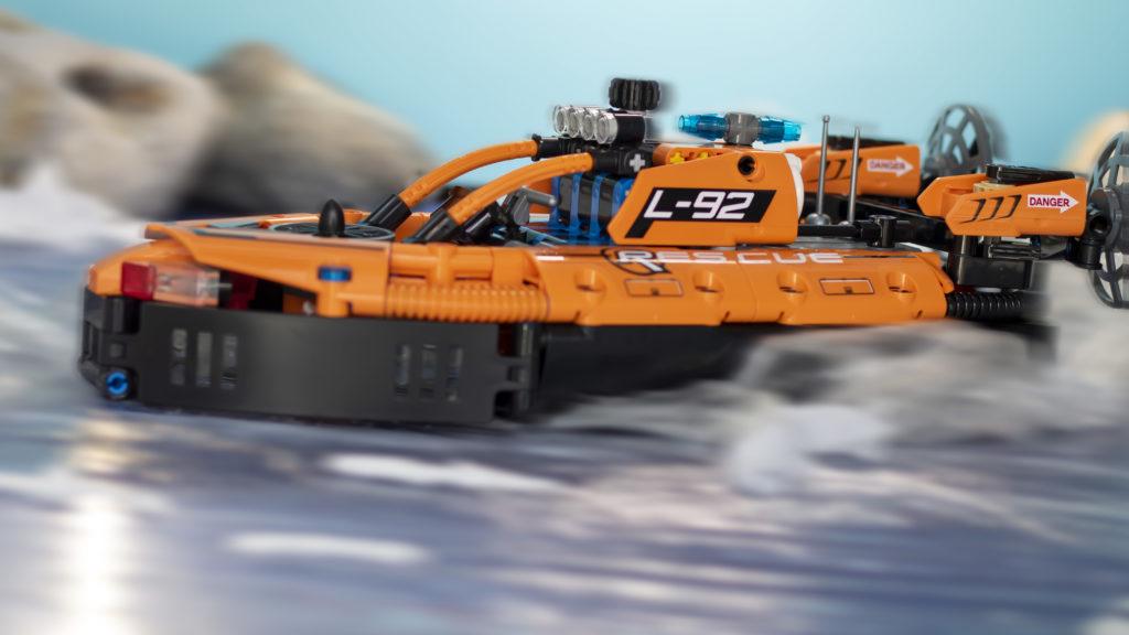LEGO Technic 42120 Rescue Hovercraft 22