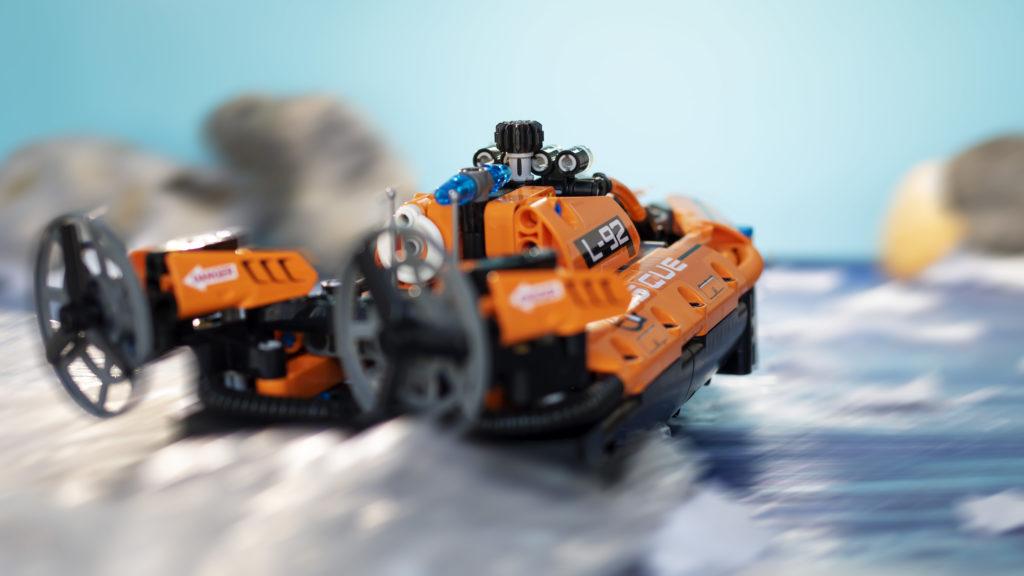 LEGO Technic 42120 Rescue Hovercraft 25