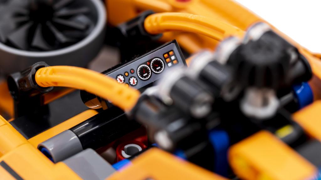 LEGO Technic 42120 Rescue Hovercraft 3