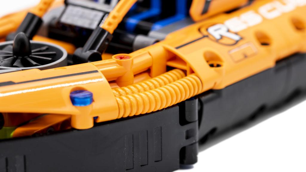 LEGO Technic 42120 Rescue Hovercraft 4