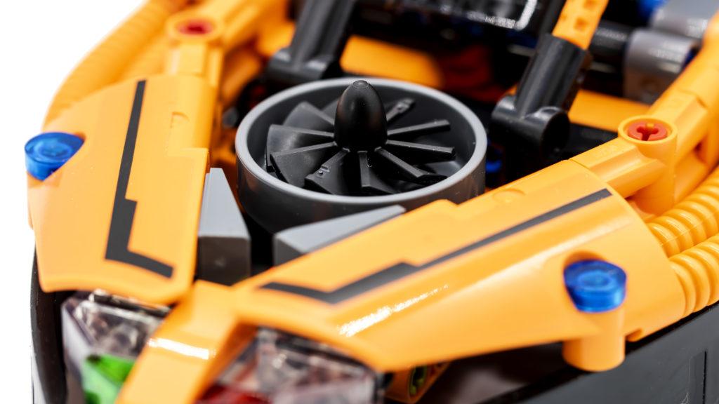 LEGO Technic 42120 Rescue Hovercraft 7