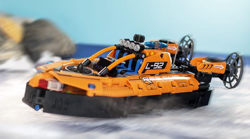 LEGO Technic 42120 Rescue Hovercraft FEATURED 800x445