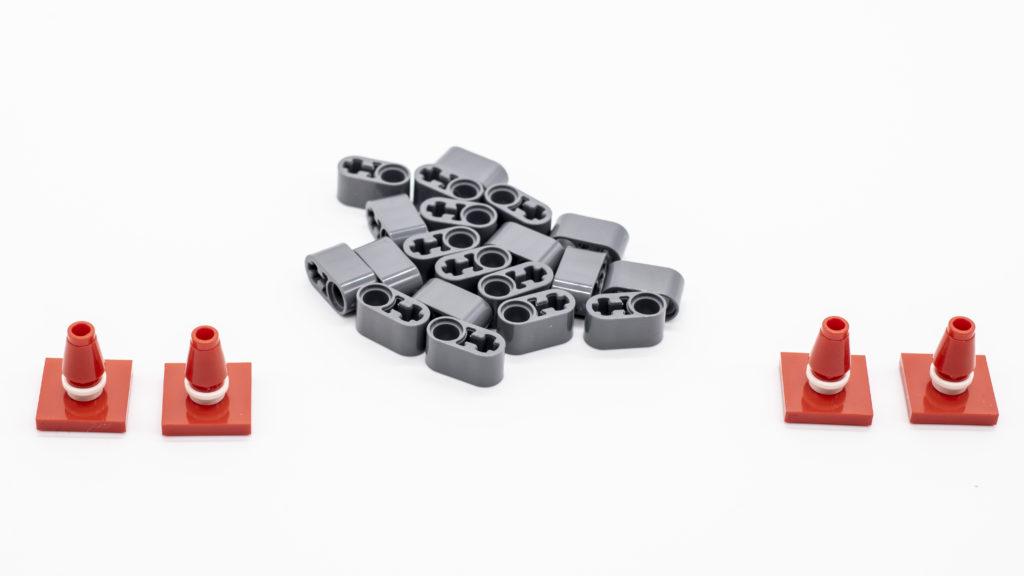 LEGO Technic 42121 Heavy Duty Excavator 12