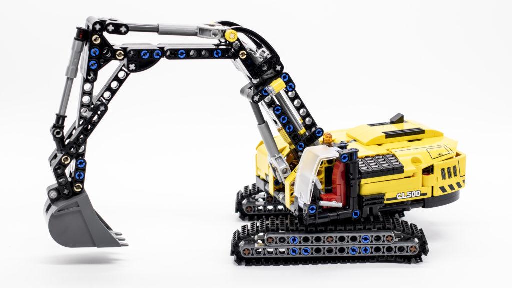 LEGO Technic 42121 Heavy Duty Excavator 17