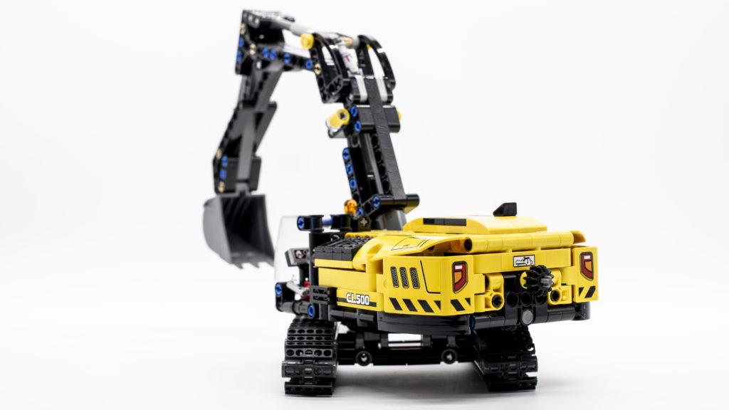 LEGO Technic 42121 Heavy Duty Excavator 18