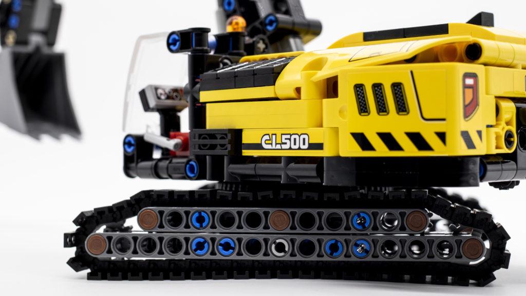 LEGO Technic 42121 Heavy Duty Excavator 20