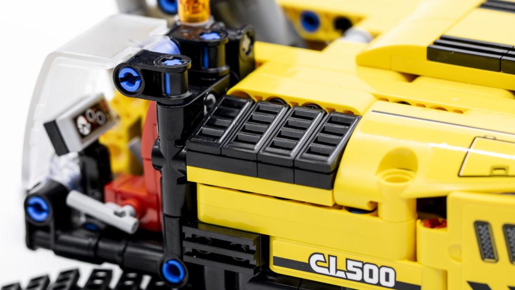 LEGO Technic 42121 Heavy Duty Excavator 9
