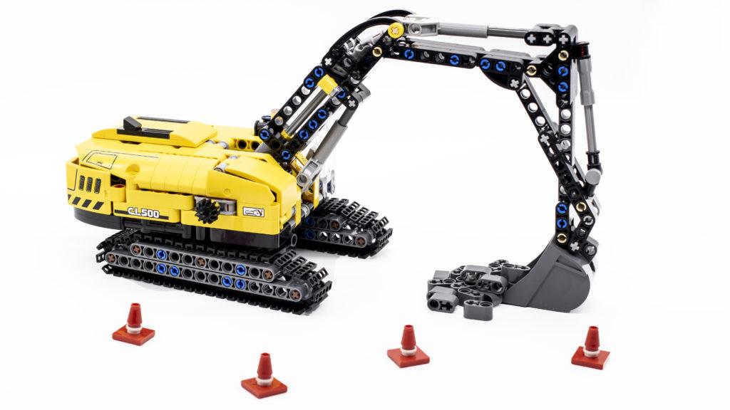 LEGO Technic 42121 Heavy Duty Excavator main