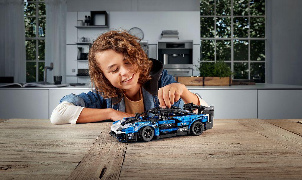 LEGO Technic 42123 McLaren Senna GTR 3