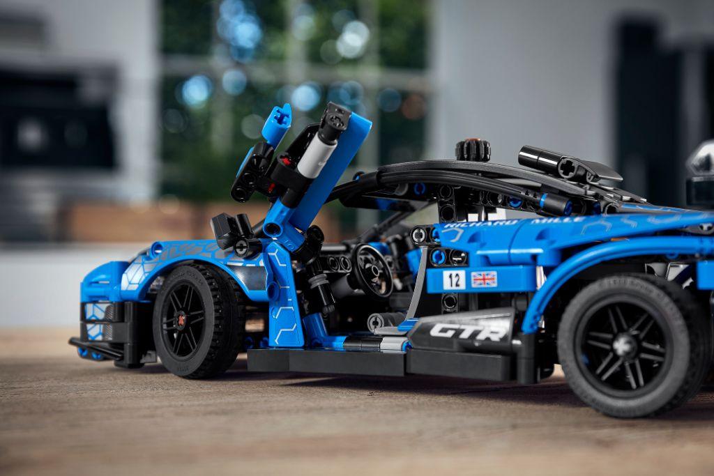 LEGO Technic 42123 McLaren Senna GTR 7