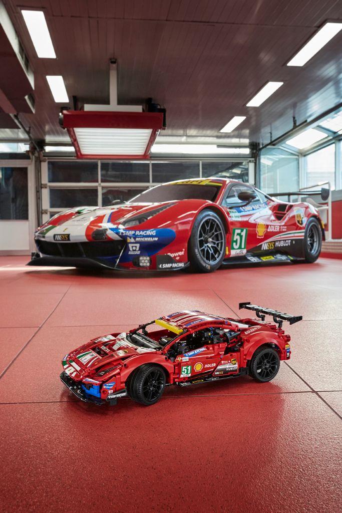 LEGO Technic 42125 Ferrari 488 GTE AF CORSE 51 14