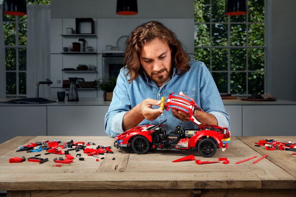 LEGO Technic 42125 Ferrari 488 GTE AF CORSE 51 4