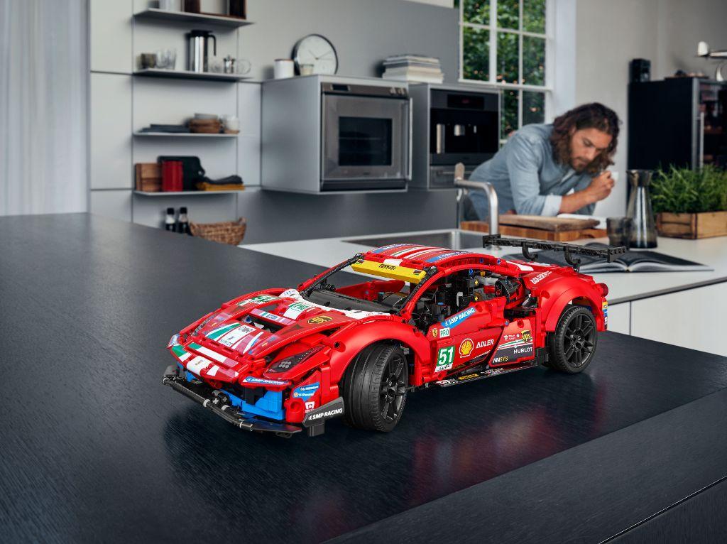LEGO Technic 42125 Ferrari 488 GTE AF CORSE 51 6