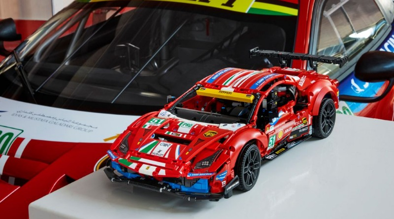 LEGO Technic 42125 Ferrari 488 GTE AF CORSE 51 Featured