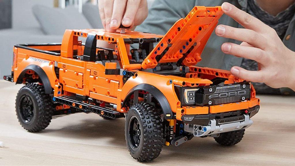 LEGO Technic 42126 F 150 Raptor lifestyle featured 1