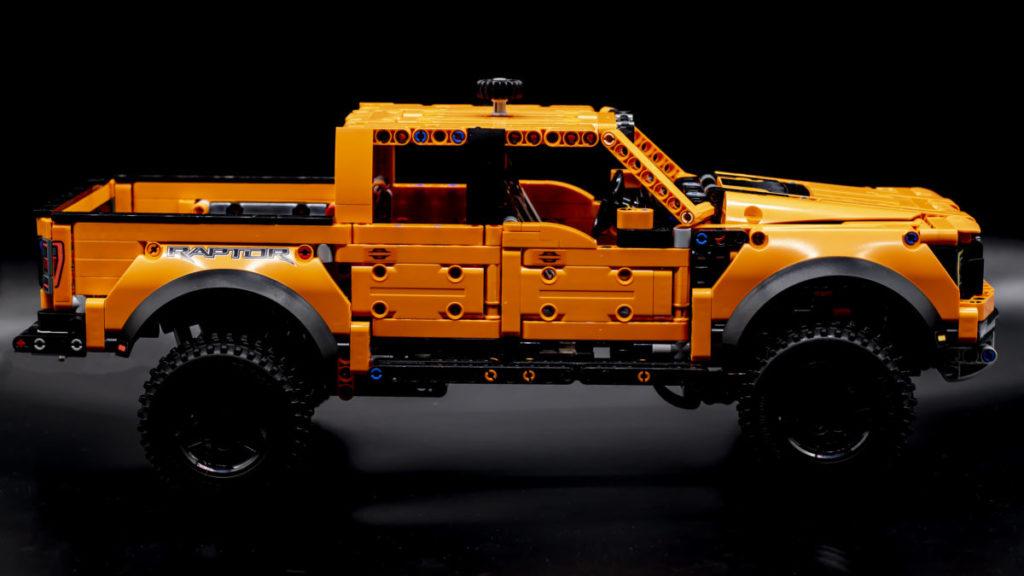 LEGO Technic 42126 Ford F 150 Raptor 1