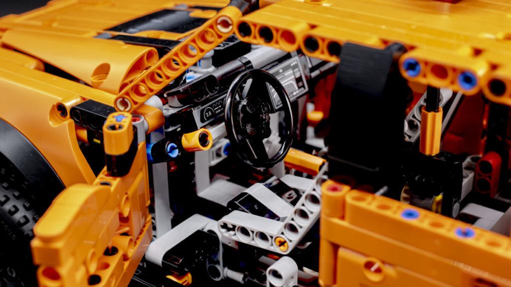 LEGO Technic 42126 Ford F 150 Raptor 10