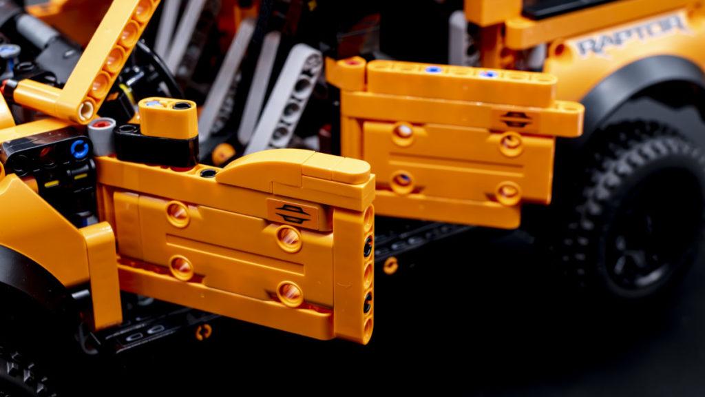 LEGO Technic 42126 Ford F 150 Raptor 11