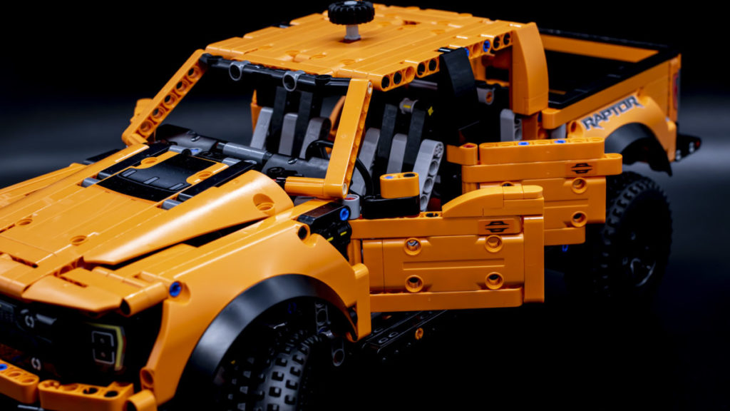 LEGO Technic 42126 Ford F 150 Raptor 12