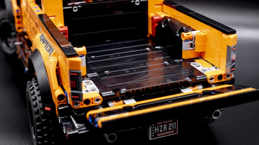 LEGO Technic 42126 Ford F 150 Raptor 13