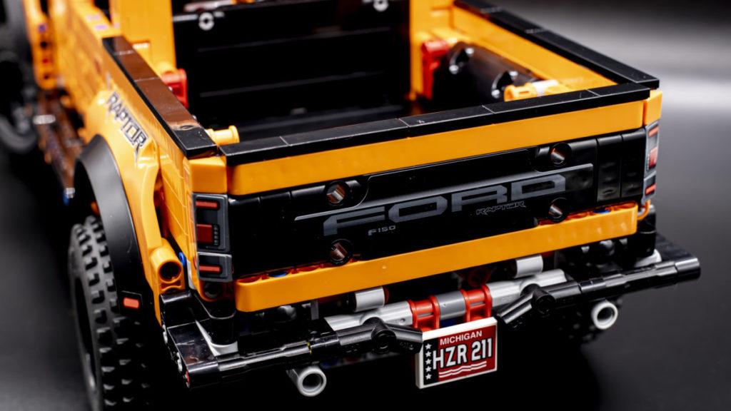 LEGO Technic 42126 Ford F 150 Raptor 14
