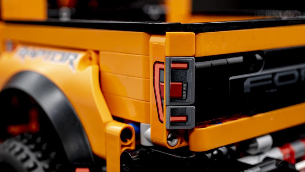 LEGO Technic 42126 Ford F 150 Raptor 17