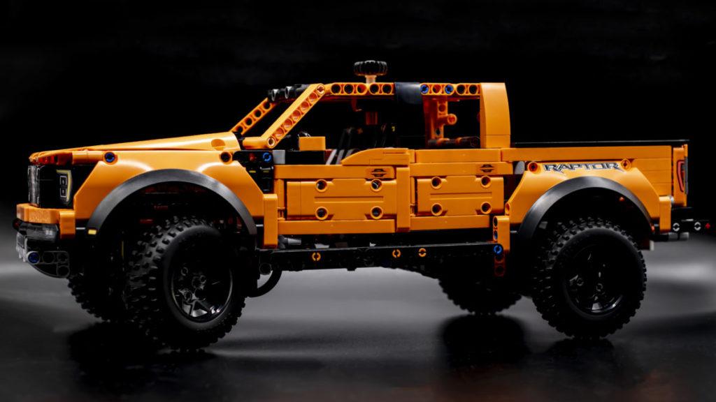 LEGO Technic 42126 Ford F 150 Raptor 2