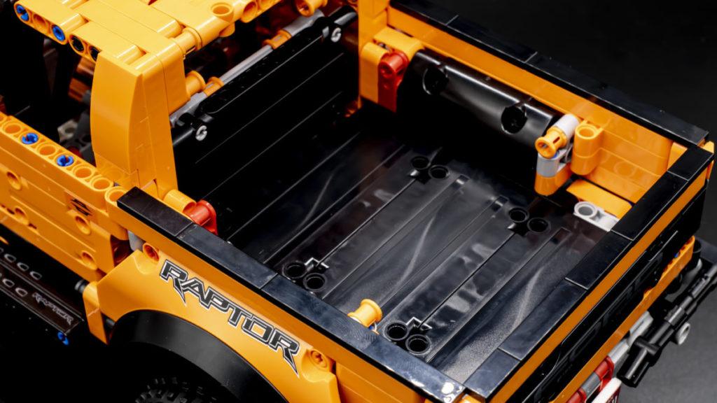 LEGO Technic 42126 Ford F 150 Raptor 23