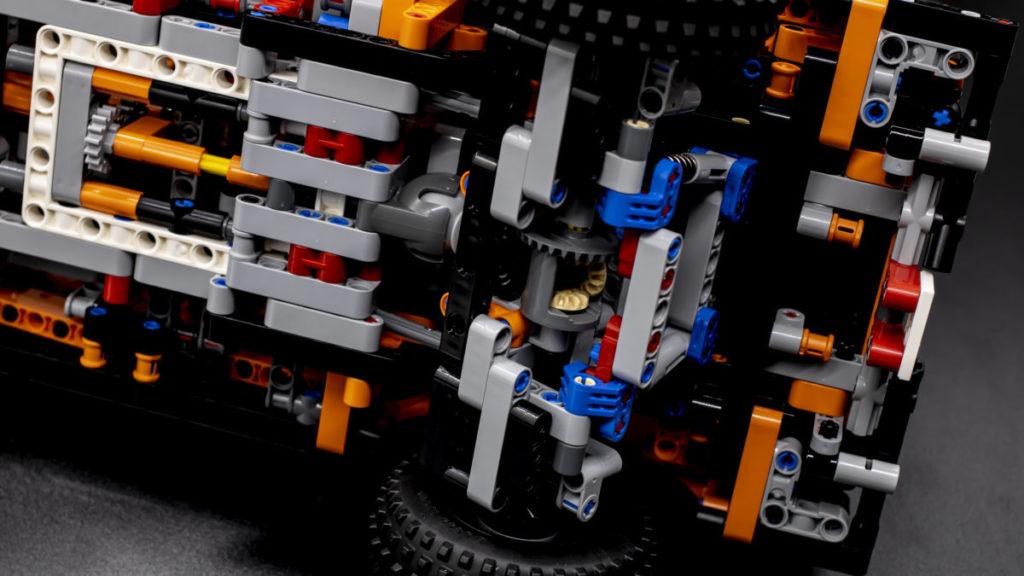 LEGO Technic 42126 Ford F 150 Raptor 24
