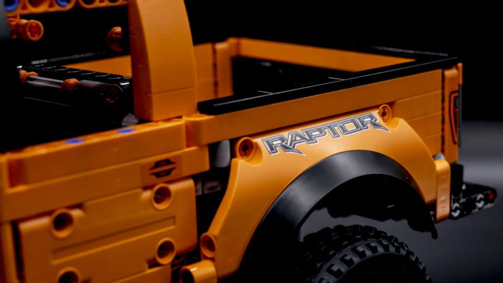 LEGO Technic 42126 Ford F 150 Raptor 8