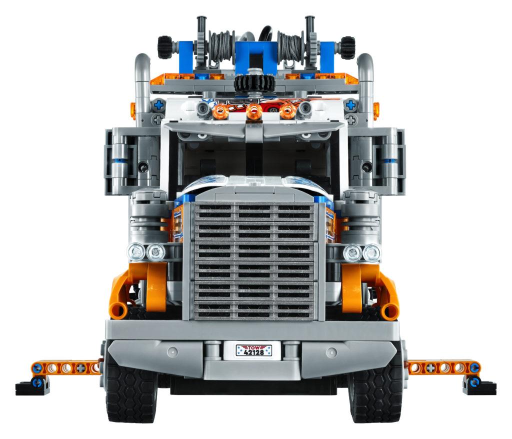 LEGO Technic 42128 Heavy duty Tow Truck 5