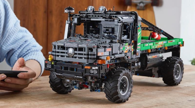 LEGO Technic 42129 4x4 Mercedes Benz Zetros Trial Truck Featured 1